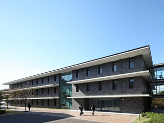 京都産業大学15号館